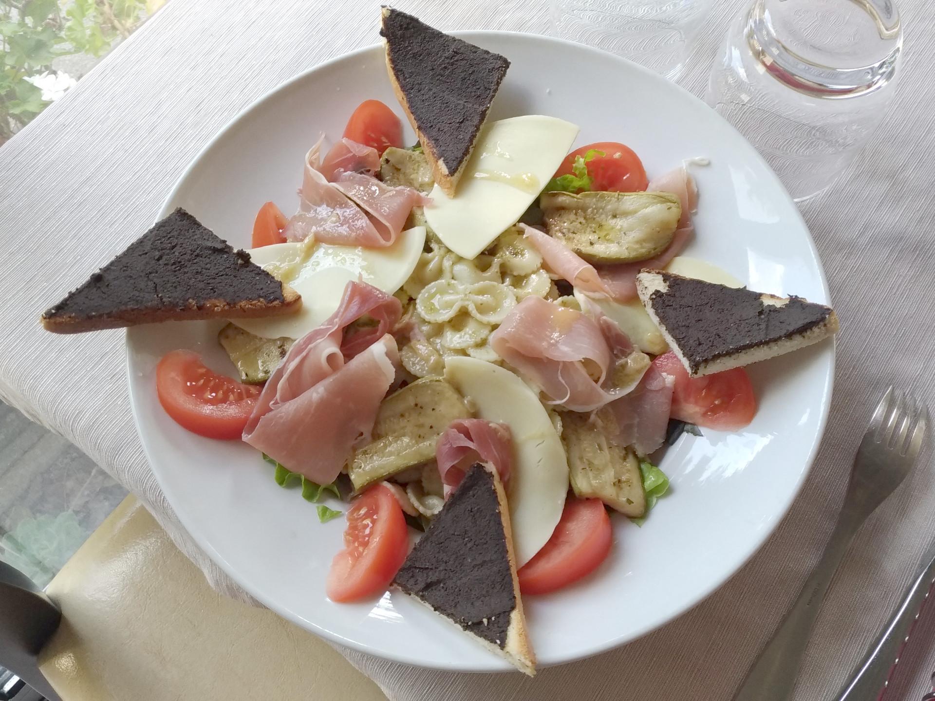 Vente à emporter à Pontivy salade italienne